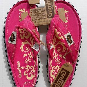 Gumbies thong style flip-flops Sz 9 men 10 womans